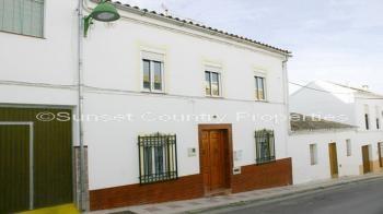 Villanueva de Algaidas town house