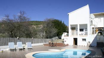Large cortijo with guest annex