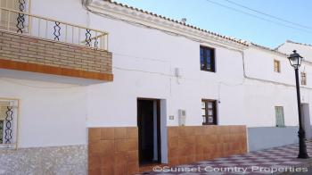 Ventorros de Balerma. Fantastic 2 bedroomed village house with large terrace and patio near to the lake of Iznajar