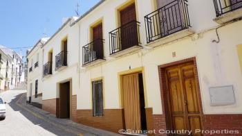 Archidona, Large town house with 4 bedroom, 2 bathroom, patio and large garage