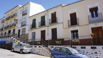 Archidona, bargain traditional style 3 bedroom town house with a spacious split level patio