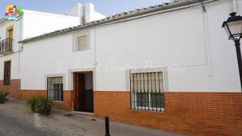 Archidona, charming 3 bedroom Town house with Andalusia patio and views